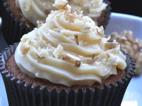Cupcake Doce de Leite com nozes